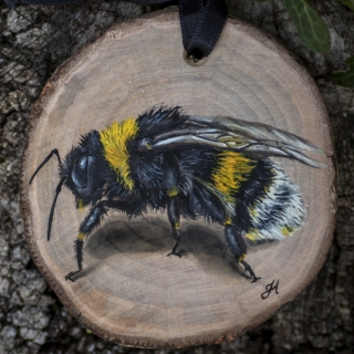 Bumblebee painting on a willow wood slice